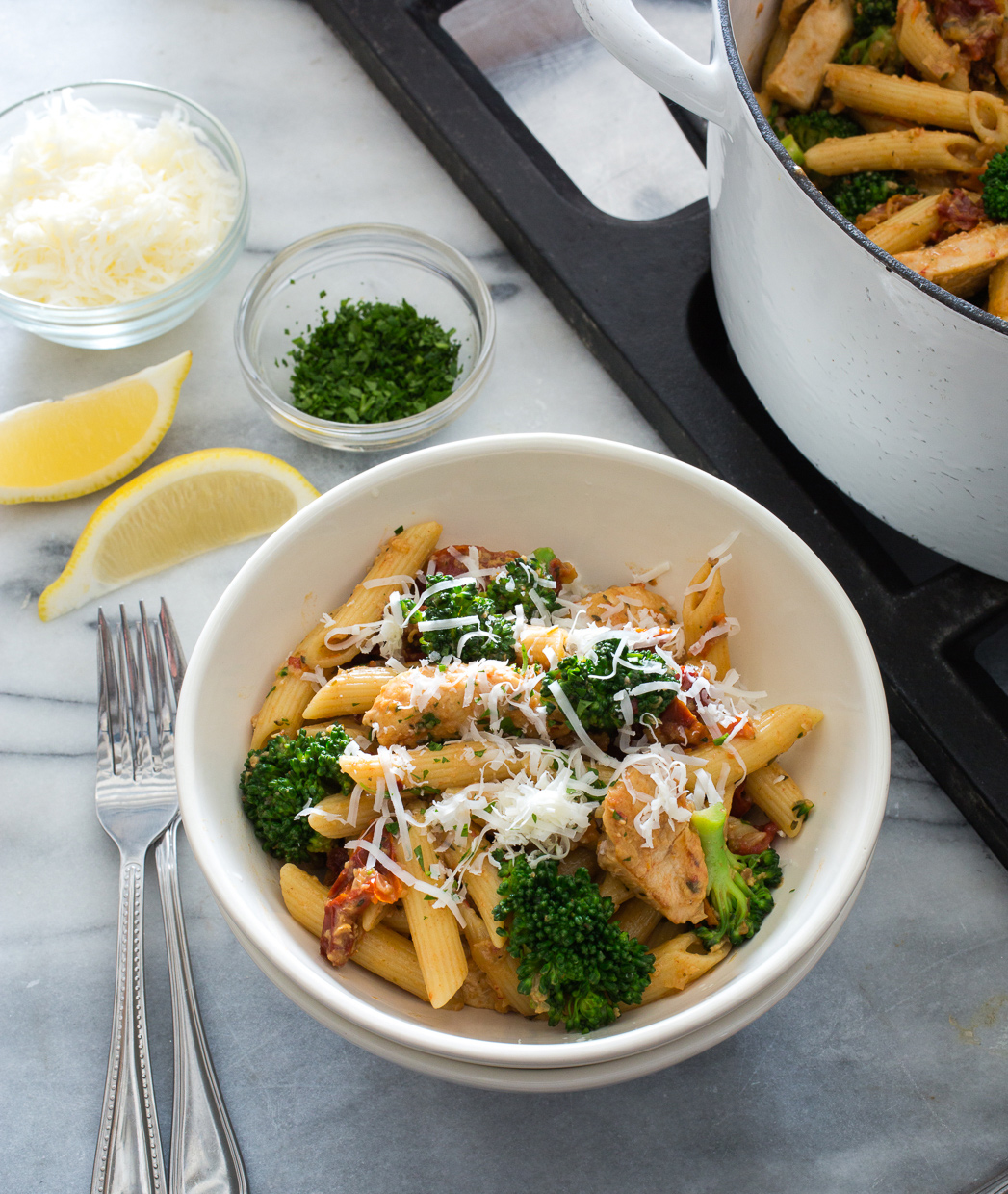 pasta_with_chicken_broccoli_sun_dried_tomatoes-15